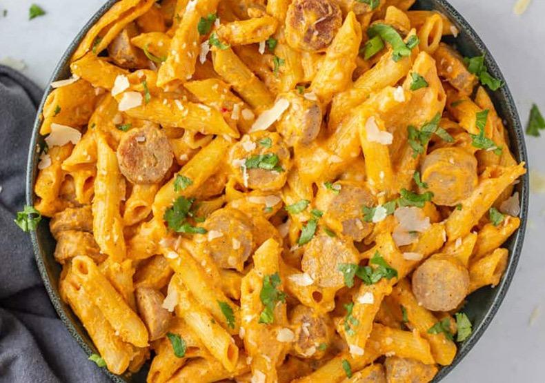 One Pot Cheesy Pumpkin and Chicken Sausage Pasta